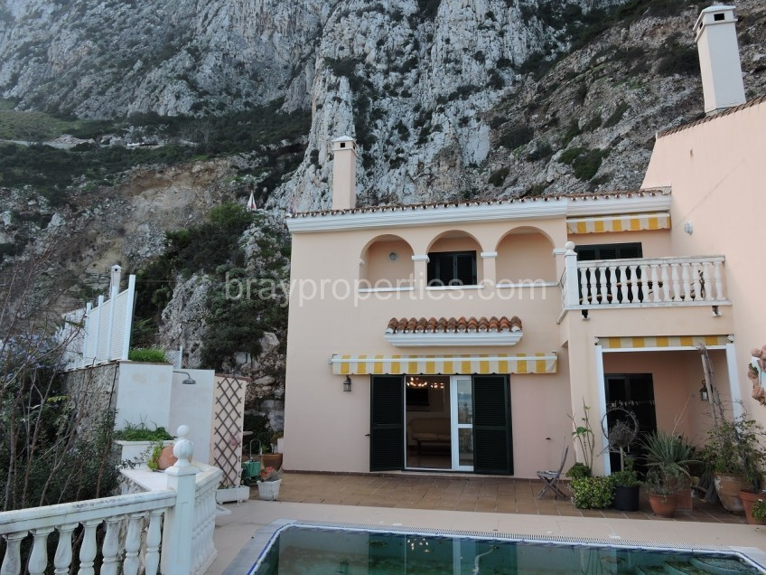 Property in Catalan Bay Image 10
